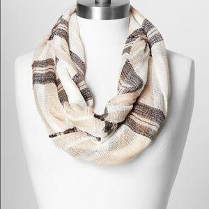 Textured plaid loop scarf